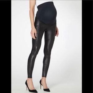 NWT SPANX Maternity Faux Leather Legging Bl M FLAW